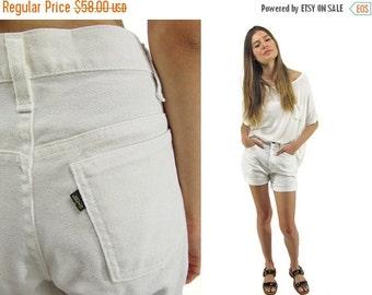 On Sale - 60s Linen Levis Shorts, Levis Sta-Prest, Minimalist Cotton Shorts, Vintage Linen Shorts, White Shorts, Clam Bake Shorts Δ size: md