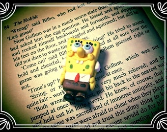 Spongebob Squarepants charms ~ Handmade polymer clay brooch/keyring