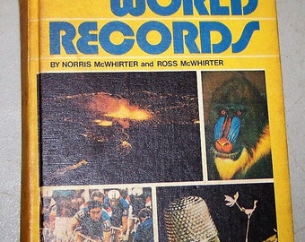 "Vintage 1977 Hardcover ""Guiness Book Of World Records"""