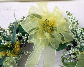 Beautiful Yellow Spring Wreath