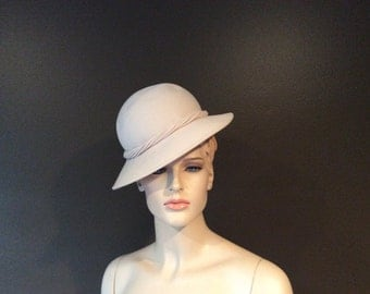 Vintage Women's Frank Clive for John Wanamaker Ivory Wool Felt Hat, Vintage Millinery, Vintage Women's Brim Hat