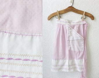 1950's Apron, Purple and White with Embroidery, Gift for Hostess or Mother's Day, Easter and Holiday Entertaining, One Size, Pretty