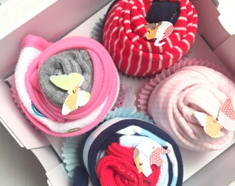 2 Bodysuits, 2 Booties and 2 Washcloth Cupcake Gift Set // Shower gift, Baby Gift Set, Baby Gift, Baby Shower Decorations, Baby girl