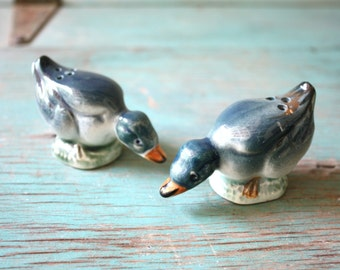 Blue Duck Vintage Shakers, Salt and Pepper Shakers, Dining Table, Duck Decor