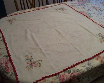 """Vintage Embroidered Topper Hand Stitched Red Crochet Trim 36"""" Square"""