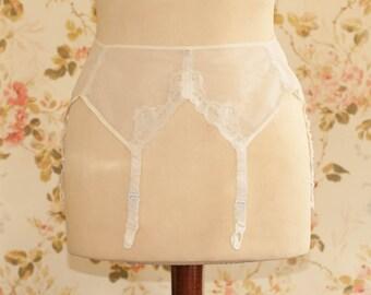 """Vintage 1950s White Sheer Garter Belt, Suspender Belt. Circumference: 29 - 31"""""""