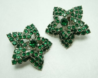 1970s Star Form Earrings Brilliant Green Rhinestones Layered Couture Runway
