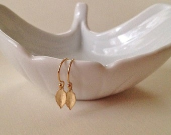 Tiny Leaf Earrings in Gold -Gold Leaf Earrings