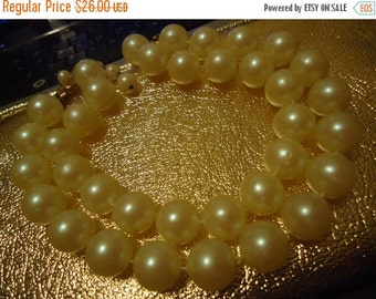 Now On Sale Vintage Faux Pearl Chunky Necklace 1950's Collectible Mid Century Retro Jewelry