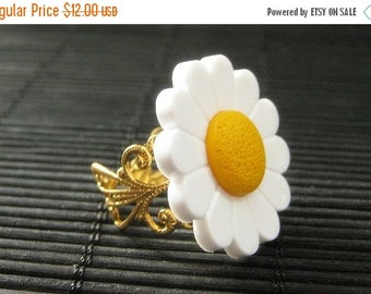 BACK to SCHOOL SALE White Daisy Ring with Silver Filigree Adjustable Ring Base. Handmade Jewelry.