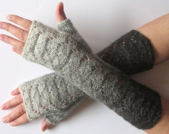 Fingerless Gloves Gray Off White wrist warmers