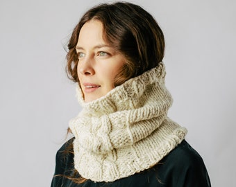 KNITTING PATTERN PDF- Cabled cowl pattern, bulky cowl pattern, infinity scarf pattern, bulky cable knitting, bulky scarf pattern, cable knit