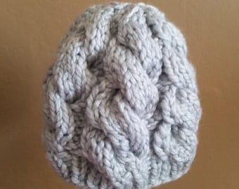 Hand-knit Cable Hat: Icy grey