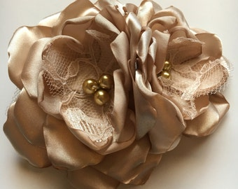 Hair Clip - Two Flower Hair Clip with Ostrich Feathers - Champagne, Fascinator, Fabric Flowers, Feathers, Vintage Glam Wedding