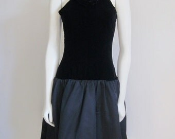 Oscar de la Renta / Little Black Dress / Ballerina Dress / 80s Formal Dress / Black Velvet Dress / Couture Dress / Breakfast At Tiffany