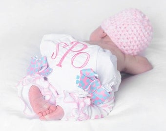 Baby Ruffle Bloomers, Pink Baby Bloomers, Take Home Outfit, Coming Home outfit, Newborn Name Bloomers, first photo hat, hospital name outfit