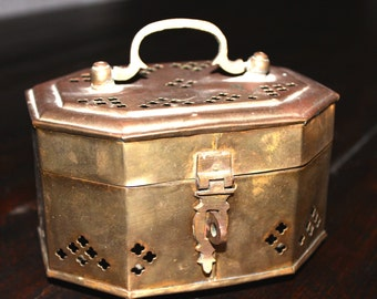 Vintage Asian cricket cage GOOD luck fortune trinket box nice patina