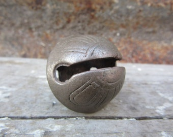 Jingle Bell Antique Sleigh Bell Small #2 Petal Design Old Sleigh Bell 1800s  Brass Bronze Bell Christmas Holiday Ornament Decoration Patina