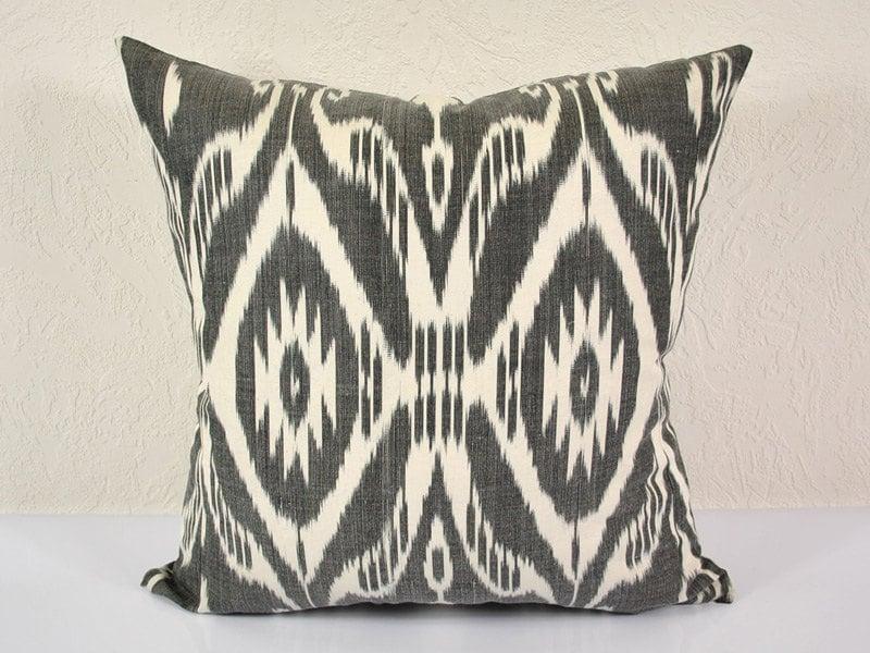 Ikat Throw Pillows Etsy : Ikat Pillow Hand Woven Ikat Pillow Cover MPI102 Ikat throw