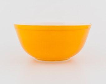 Vintage Pyrex Mixing Bowl - Orange - Citrus - 2.5 Quart - 403