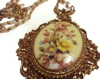 FLORENZA - Vintage Dolly Kei Flower Necklace - 1960s Vintage Victorian Revival