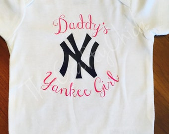 Personalized baby baseball onesie * baby girl * Daddy's girl * Yankees