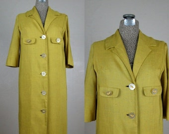 25% Off Summer Sale.... Vintage 1950s 1960s Celadon Green Dress 50s 60s Rayon Linen Coat Dress with Fabulous Buttons by Mitzi Morgan Size 8