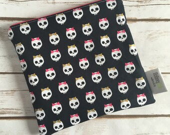Reusable Snack Bag ~ Sandwich Size ~ Reusable Lunch Bag ~ Eco Friendly ~ Water Resistant ~ Zipper Pouch in Skulls With Bows Gold Shimmer