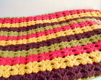 Vintage Afghan Lap Blanket in Classic Vintage Colors Avocado Green Gold Brown Red Throw