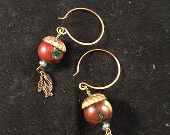 Hand beaded acorn earrings, hand beaded earrings, acorn earrings, coral earrings, drop earrings, dangle earrings, nature earrings