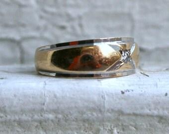 Retro Vintage 14K White/ Yellow Gold Diamond Wedding Ring Band.