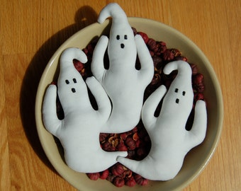 Primitive Halloween Ghost Ornies
