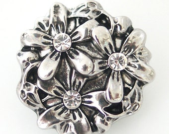 1 PC 18MM Flower White Rhinestone Silver Snap Candy Charm ds5013 CC1202