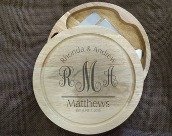 Swirl Monogram Cheese Board with Stainless Steel Cutlery