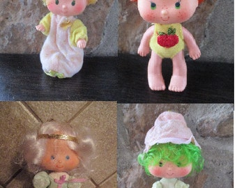 Doll - Vintage 1980's Strawberry Shortcake Lot of 4 Dolls