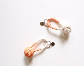 Rope Knot Keychain / peach
