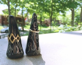 Geometric Cone Ring Holder Set