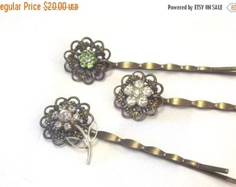 FALL SALE, Vintage Rhinestone Hair Pins - Flower Bobby Pins - Retro Style Hair Jewelry - Rhineston Hair Picks
