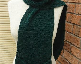 Knitted Pocket Scarf, Fun to Wear Basketweave Pocket Scarf,  Scarf with Pockets, Green Scarf With Plckets, Knitt Scarf with Pockets