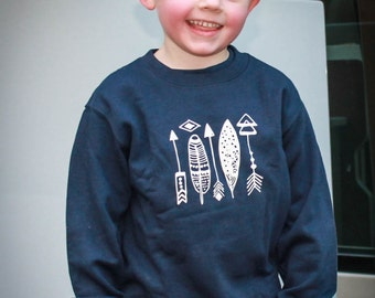 Sweatshirt Ivory and Navy Stacked Arrows and Feather Set