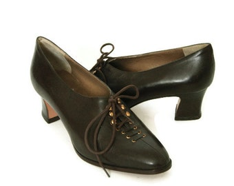 Vintage 60s Italian Brown Leather Lace Up Heels