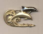 Vintage Goldtone Dolphin Pin
