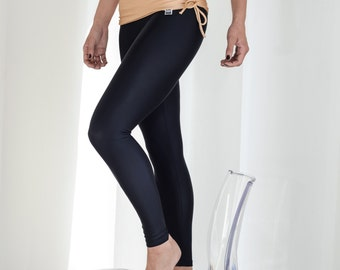 Leggings in black and ecru for Bikram yoga