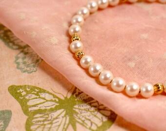 Avon Pearlustre Faux Pearl Bracelet - Vintage 1985