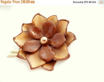 Holiday Sale Coro Flower Brooch in Brown