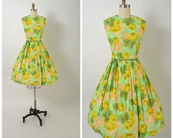Vintage 1950s 50s 1960s Floral Dress with Full Skirt