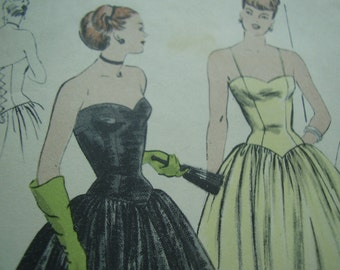 Vintage 1950's Vogue 5915 Evening Dress Sewing Pattern, Size 12, Bust 30
