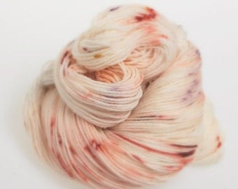 Hand dyed Yarn - Sock Yarn 'Primulae'  AUSTRALIS 4ply   Hand dyed Wool yarn Superwash 4 ply