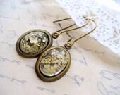 White Dry Flower Oval Earrings, White Jewelry, Antique Brass Jewelry, Oval Dangle Earring, Dried Flower Earring, DLAbeaddesign, Fall Wedding