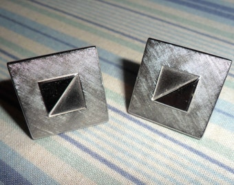 Vintage Signed Swank  Cufflinks Silver Tone Etched Embossed Squares & Triangles Geometric Mens Shirt Cuff Links 1950s Retro USA